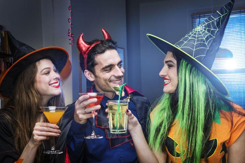 halloween-party-game-56a325465f9b58b7d0d095cd.jpg